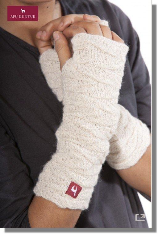 Damen Pulswärmer BIESEN Baby Alpaka Arm-Stulpe Gelenkwärmer von APU KUNTUR - wollweiss